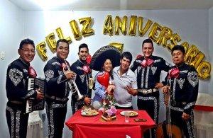 Mariachis-para-Feliz-aniversario-para-esposas-617x401